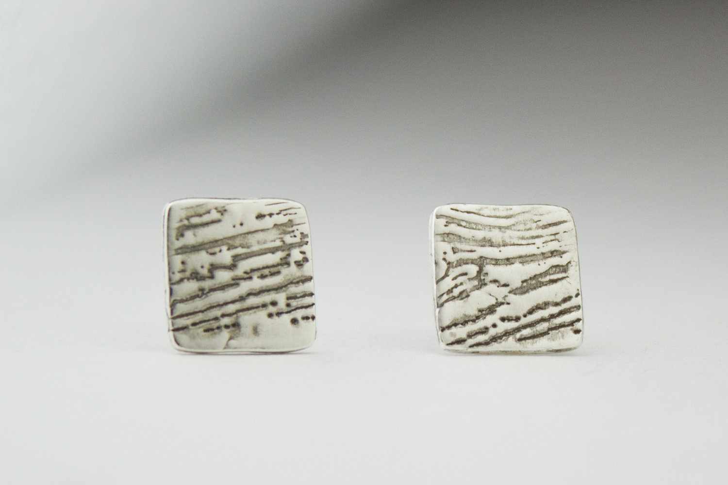 Square woodgrain post earring